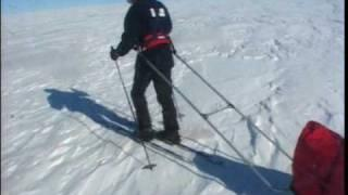 דניאל קרן במסעו לחציית כיפת הקרח של גרנלנד - חלק 1