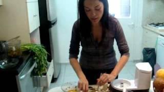 שירלי בר- הדגמת פסטת קישואים ברוטב עגבניות רו-פוד Raw Food