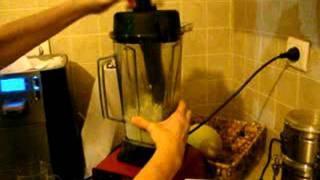 שירלי בר מדגימה הכנת מיונז טבעוני, בריא וטעיםםם!!(חלק 1)
