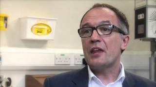 Professor Andrew Dick Talking About Uveitis דלקת עינבייה