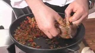 פופייט חזה עוף ממולא בירקות מוקפצים מצופה בקרסט.flv