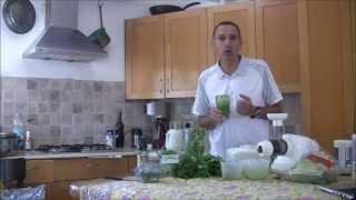 שייק ירוק לארוחת בוקר בריאה מזינה ומהירה- ד