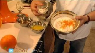 ארקוס - השף מיקי שמו מכין עוגת תמרים