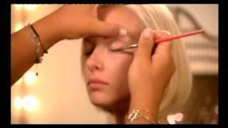 איפור למראה עיניים מפתות : סודות האיפור של מיקי בוגנים
