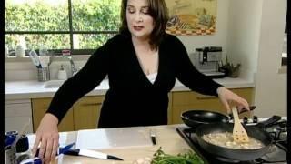 סטייק סלמון צרוב ברוטב שמנת ופטריות