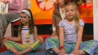 גל שחר ביוגה אצל אודטה בערוץ 10  2004