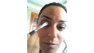 איפור עיניים בסגנון מעושן מעודן - נילי כהן מאפרת סרטון מס׳ 3
