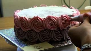 זילוף שושני קרם על עוגה How To Make Cream Roses On A Cake