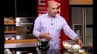 עוגת שמרים במילוי גבינה וצימוקים - מיקי שמו