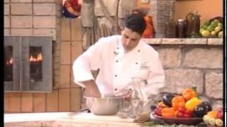 שי עשהאל מכין בצק שמרים בסיסי