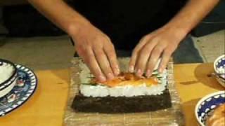 איך להכין סושי מאקי