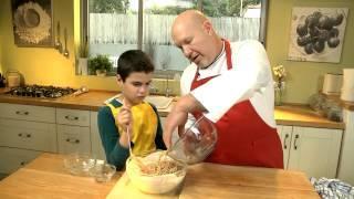 מבשלים עם ילדים: פשטידת ספגטי וגבינה מתוקה