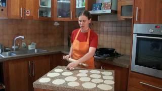 פורי - לחם הודי מטוגן: מבשלים עם ונו