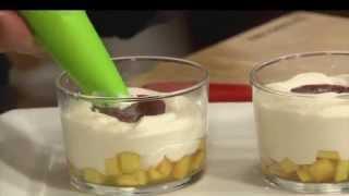 מלבה גבינה נקטרינה ותות שדה בכוסות, מתוך 'מיקי שמו עושה בית ספר' - פרק 8 - קינוחים בכוס