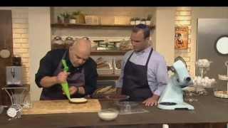 תחתית שוקולד חלבה ופניני קרנץ ללא גלוטן, מתוך 'מיקי שמו עושה בית ספר' - פרק 7 - חלבה